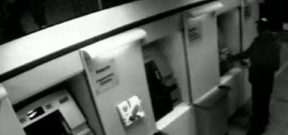 Candidato tenta roubar banco - Foto/Reprodução