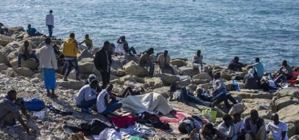 Il trasferimento da Ventimiglia in Sudan dei migranti fa discutere