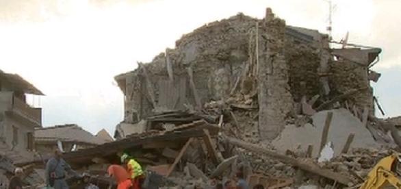 Las zonas mas afectadas por este terremoto es Accumoli y Amatrice, miles han desaparecido.