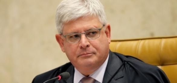 """Procurador Rodrigo Janot, """"se enrola"""" ao tentar explicar suspensão de delação premiada"""