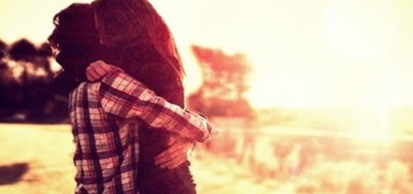 Um abraço em quem amamos pode mudar nosso dia