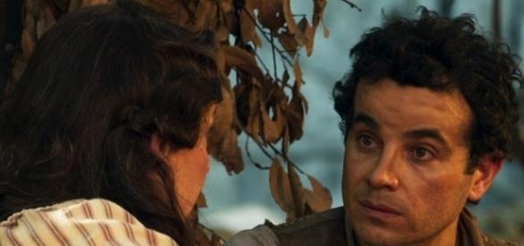 Zé dos Porcos diz para Eponina que vai embora (Divulgação/Globo)