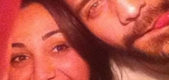 Foto de Caroline e seu namorado
