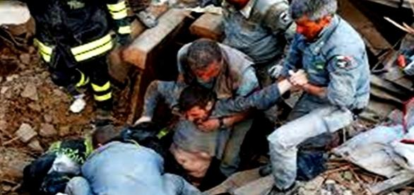 Operațiuni de salvare fără oprire de zeci de ore