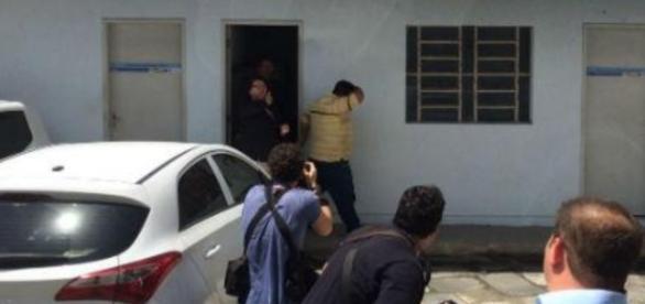 Polícia prende suspeito de abusar de 3 crianças