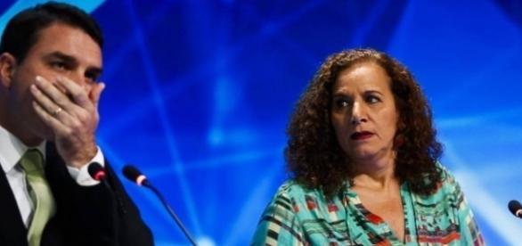 Flavio Bolsonaro passou mal durante o debate (Foto: Reprodução)