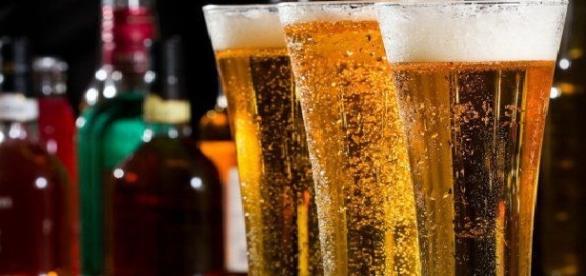 Ingredientele toxice din bere ne afectează sănătatea