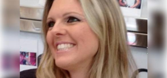 Mulher é assassinada com tiro na cabeça ao lado da filha adolescente
