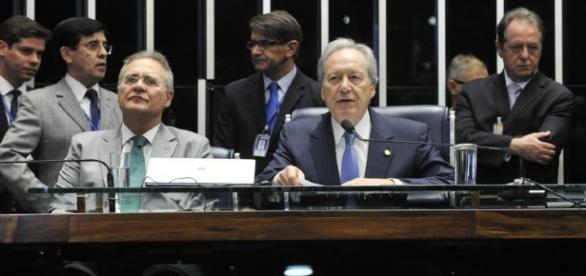 Renan afirma que primeiro dia de sessão foi conturbado