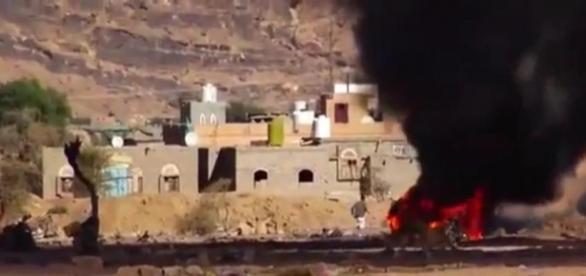 Continuos bombardeos saudíes en Yemen.
