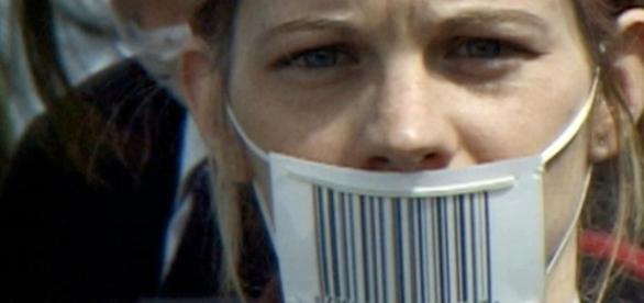"""soy aquello que tengo y aquello que consumo"""" – CANAL CULTURA - canalcultura.org"""