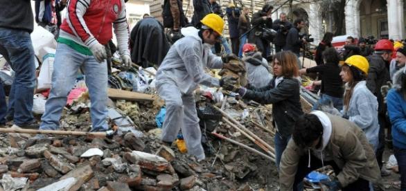 Terramoto em Itália: imagens da tragédia que fez centenas de mortos