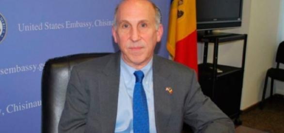 Ambasadorul american la Chișinău, James D. Pettit