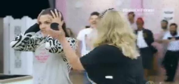 Camila vence reality show do SBT