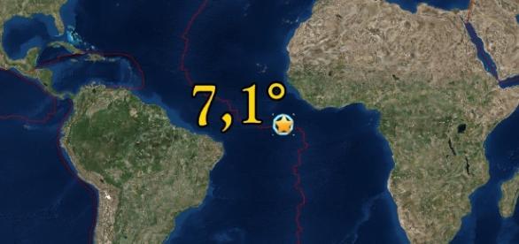 En primera instancia, el USGS calculó la magnitud en 7,4°, unos minutos después fue corregido a 7,1°