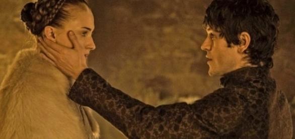 Ramsay Bolton e Sansa Stark, em Game of Thrones