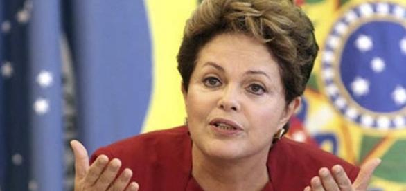 Dilma Rousseff e a sua defesa perante o Senado em 29 de agosto