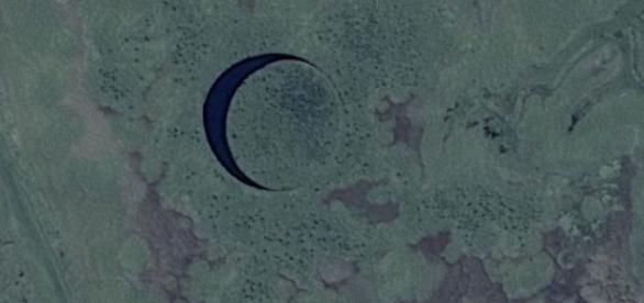 Imagens de satélite registrando a ilha do olho.