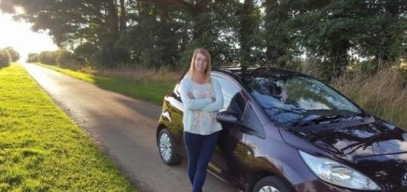 Jemma ressalta que a criatura caminhou em direção ao seu carro (SWNS)
