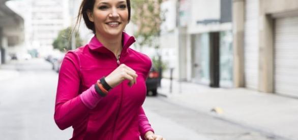 Monitores de actividad física: ¿cuál es el mejor para ti? - CNET ... - cnet.com