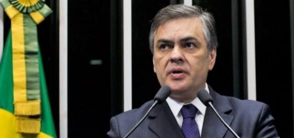 Senador Cássio Cunha Lima voltou a criticar Dilma Rousseff