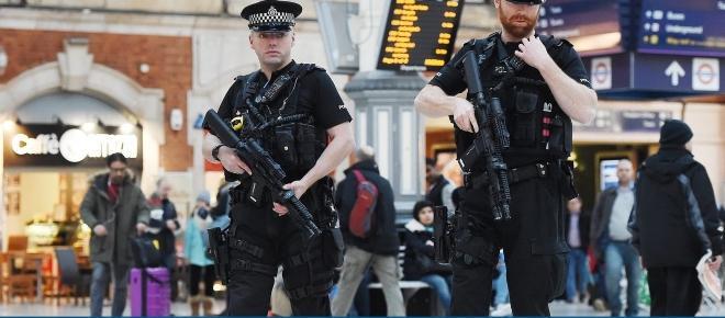 Met deploys 600 extra armed police to patrol London's streets