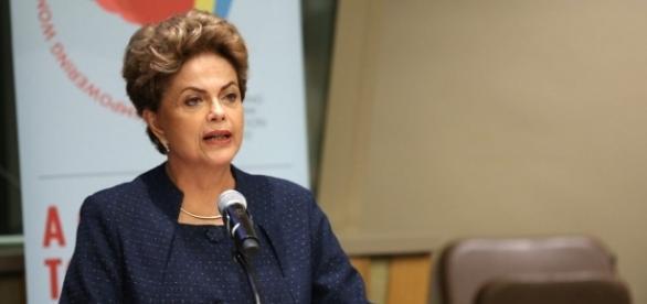 Dilma já está fora diz jornal.