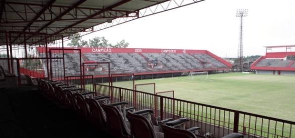 Fluminense não poderá utilizar Edson Passos para enfrentar o Flamengo (Foto: Globo.com)
