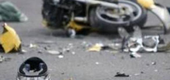 Incidente mortale a catena a Villagrazia, una moto si spezza in ... - acinews.it