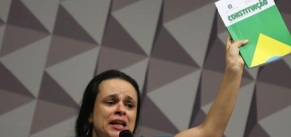 Janaína Paschoal fez um discurso muito emotivo