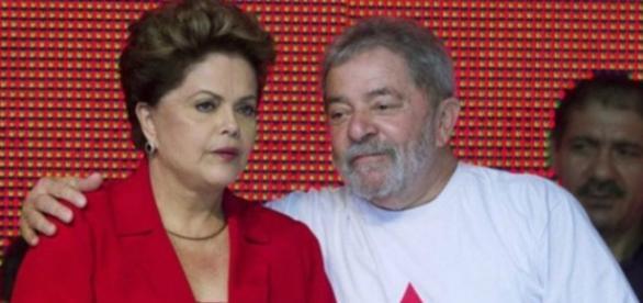 Dilma e Lula devem estar lado a lado em discurso final