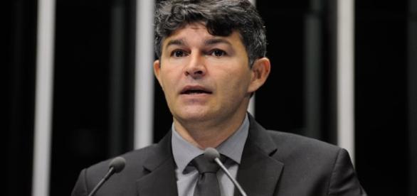 José Medeiros fez analogia entre cobrança de falta de Rogério Ceni e defesa da presidente afastada Dilma Roussef