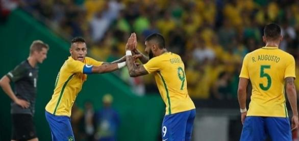 O Brasil procura voltar aos lugares de apuramento para o Mundial 2018