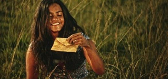 Luzia confessa que escondeu cartas de Tereza (Gshow)