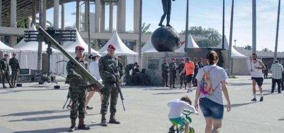 Militares patrulhando as ruas do Rio (Nilson Soares/Futura Press/Estadão)