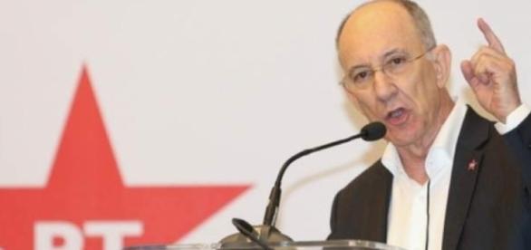 Rui Falcão contraria proposta de eleições gerais