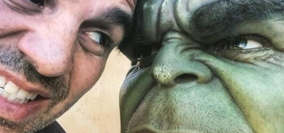 Con una imagen, Mark Ruffalo anuncia la finalización de sus escenas para 'Thor: Ragnarok'