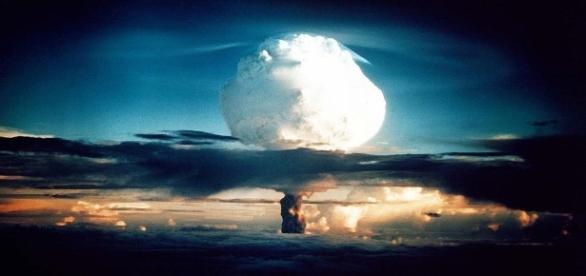 """El 6 de agosto de 1945 es lanzada sobre la ciudad Japonesa de Hiroshima, """"little boy"""" la bomba nuclear"""