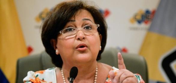 Las redes sociales implacables con la rectora de la CNE Tibisay ... - pulzo.com