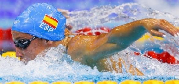 Mireia Belmonte compitiendo en Río 2016