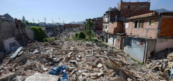 Moradores retirados de sua casas, criticam as Olimpíadas
