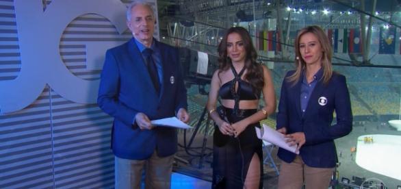 Anitta foi entrevistada por Cristiane Dias e Wiliam Waack
