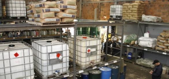 Brasileiro preso por fabricar gasolina sem petróleo