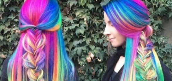Cabelo arco-íris de Trisha Reibelt