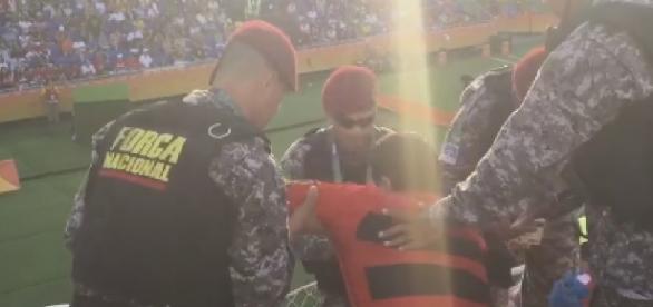 Homem é preso após gritar 'Fora Temer'