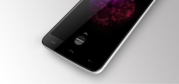 Homtom HT17 is good looking and feel tough, inspite of it's plastic body. Photo by Homtom promotional