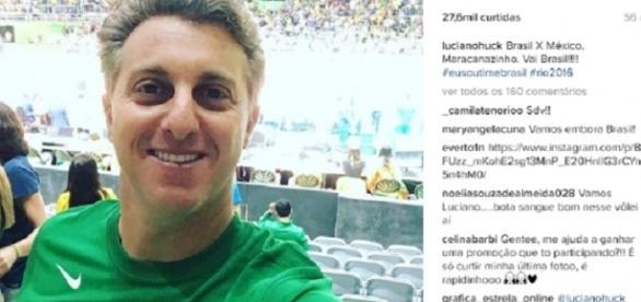 Luciano Hulk no jogo de vôlei no Maracanãzinho.