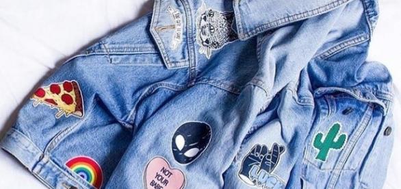 Jaquetas jeans com aplicação de patches