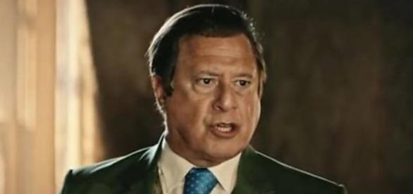 Afrânio torna Carlos seu herdeiro (Divulgação/Globo)