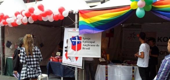 Movimento Episcopaz: Abril 2014. A Igreja Episcopal Anglicana do Brasil é uma das instituições que acolhem LGBTTs.